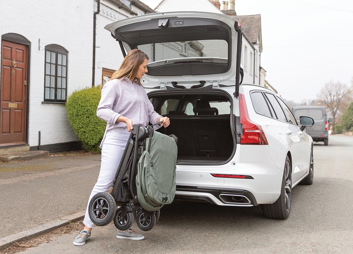 12 nepogrešljivih lastnosti otroškega vozička Joie® Versatrax™